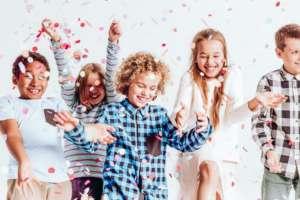 Kids with confetti